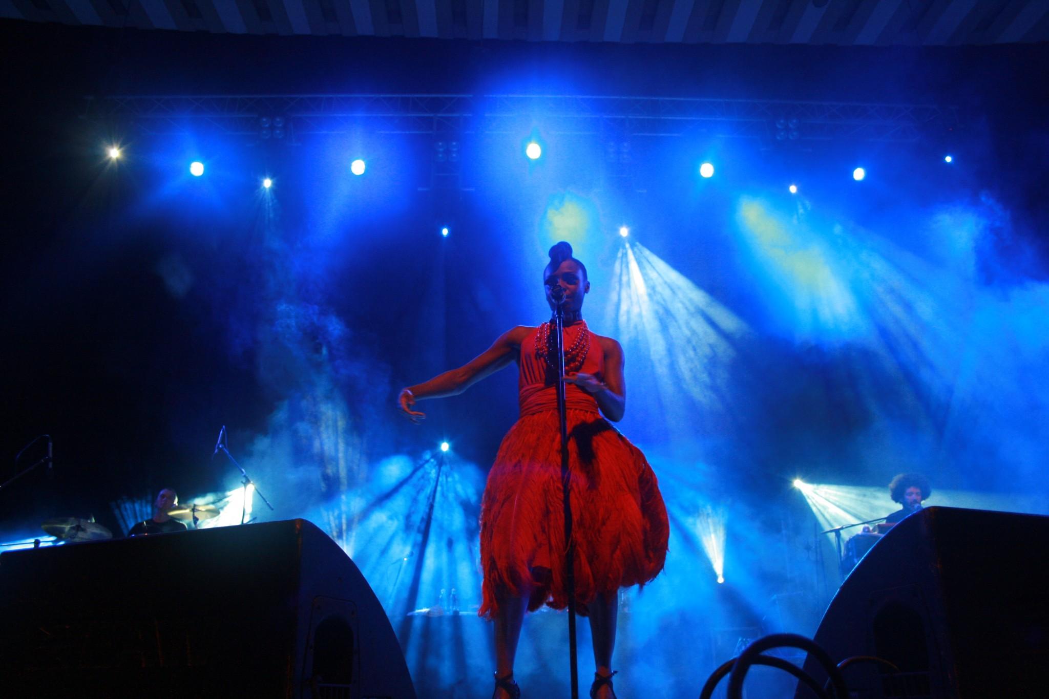http://localhost/cosmo/wp-content/uploads/2012/04/10/morcheeba-concert-bucuresti.JPG