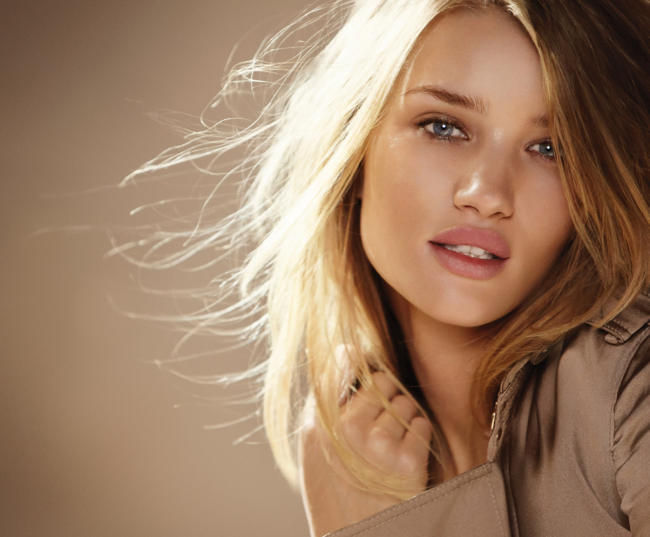 http://localhost/cosmo/wp-content/uploads/2013/11/28/rosie-huntington-whitely-buze-carnoase.png