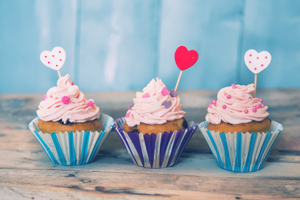 http://localhost/cosmo/wp-content/uploads/2013/12/20/cupcakes-alternative-zahar.png