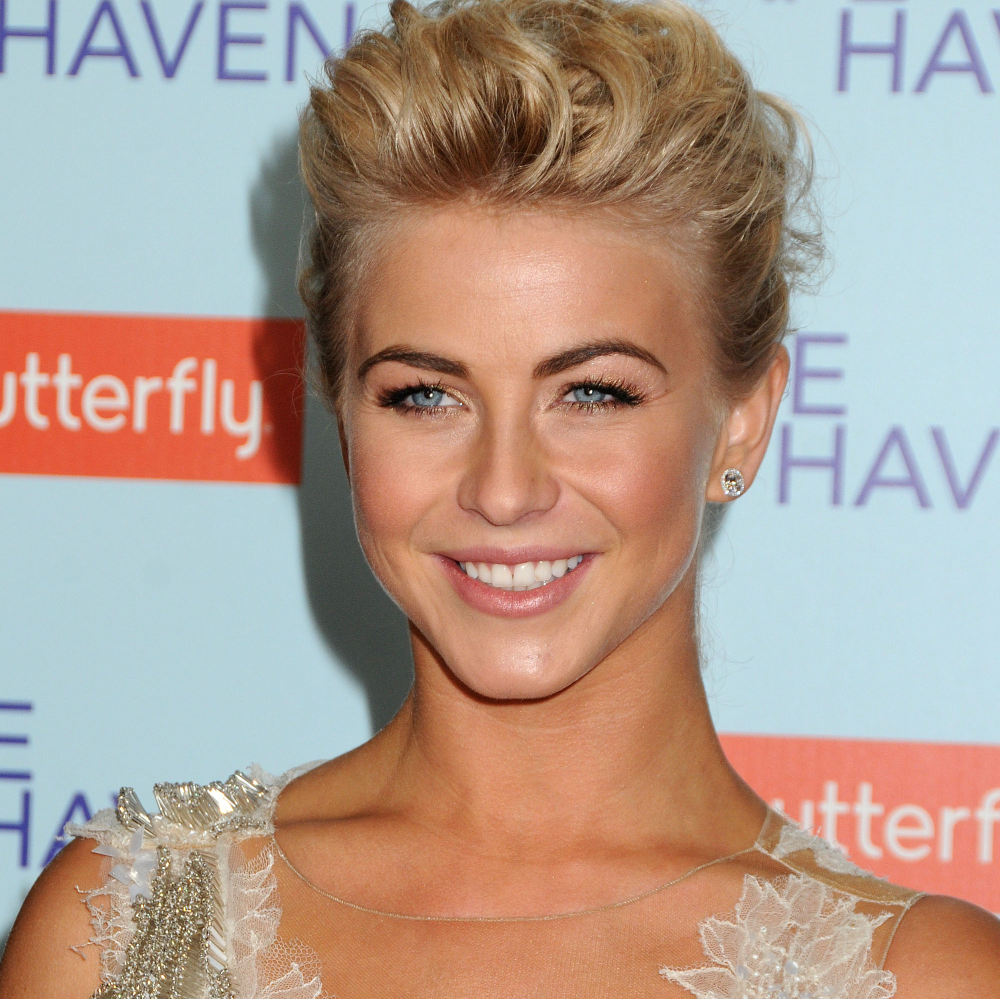 http://localhost/cosmo/wp-content/uploads/2014/02/17/julianne-hough.png