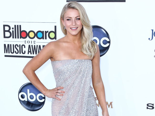 http://localhost/cosmo/wp-content/uploads/2014/02/17/julianne-hough2.png