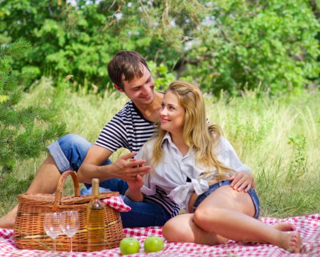 http://localhost/cosmo/wp-content/uploads/2014/04/01/pregatire-picnic.png