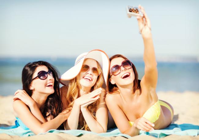 http://localhost/cosmo/wp-content/uploads/2014/05/08/vacanta-vara-mare.png