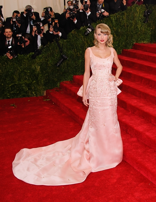 http://localhost/cosmo/wp-content/uploads/2014/07/15/taylor-swift.jpg