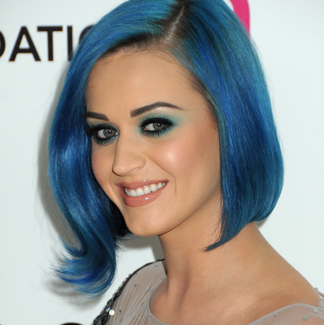 http://localhost/cosmo/wp-content/uploads/2014/07/18/katy-perry-par-albastru.png