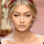 Coafuri si tunsori 2015: Carare pe miloc - colectie Dolce & Gabbana