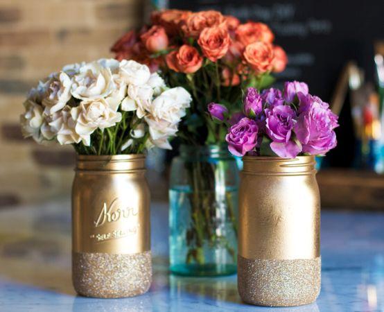 GlitterMasonJars1httpjunejohnson.cocategorydiy