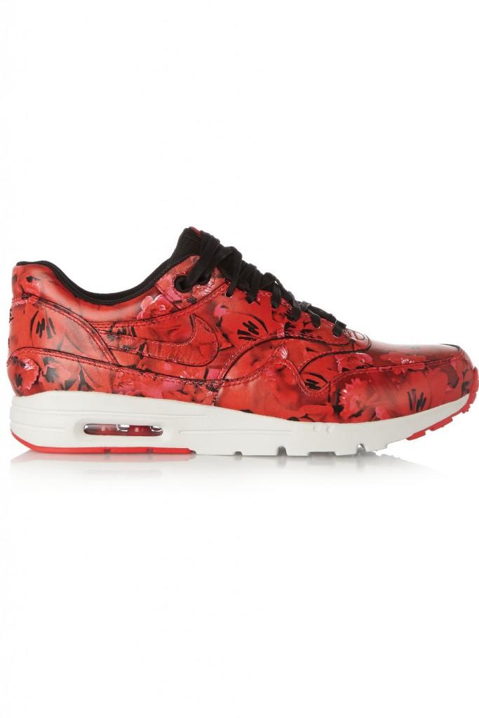 Incaltari sport, Nike Airmax, net-a-porter.com, 57 euro