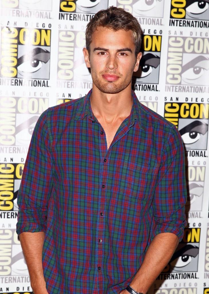 """""""Divergent"""" Comic-Con Press Line"""