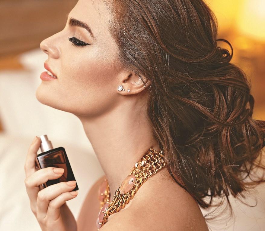 cum se aplica parfumul