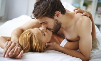 Pot barbatii sa mimeze orgasmul