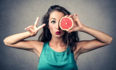 5 fructe de savurat pe langa meniul de Craciun