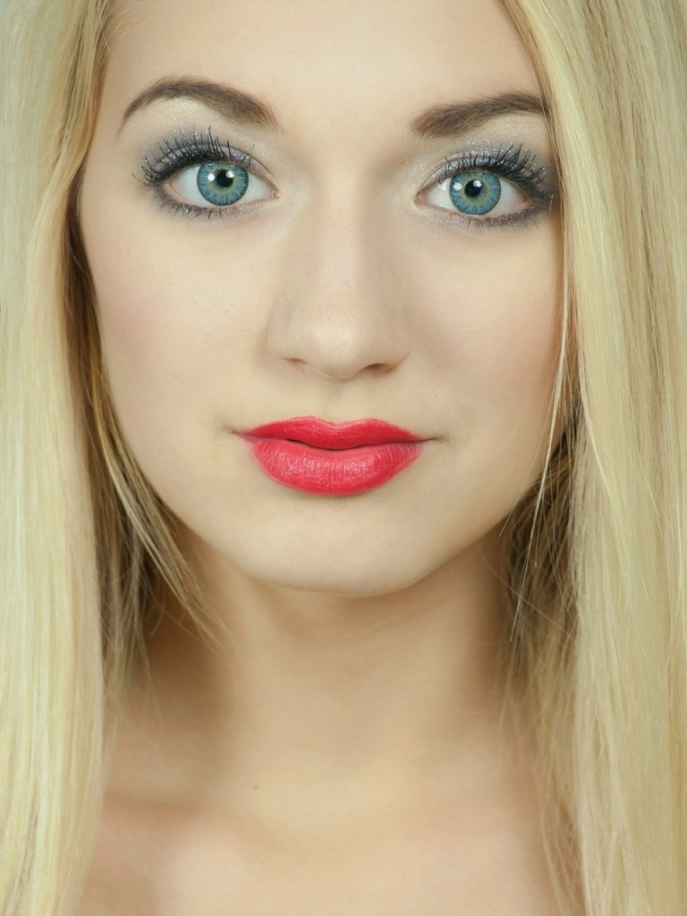 blond-487066_1280
