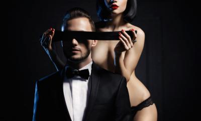 Sex cu ochii legati Cum sa ii oferi un orgasm pe nevazute