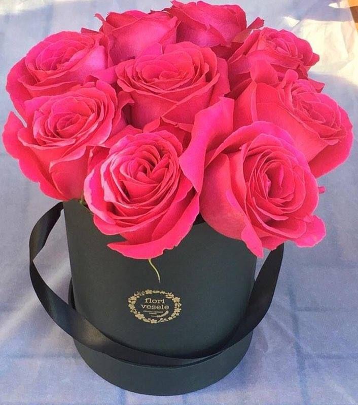 flori vesele buchet trandafiri