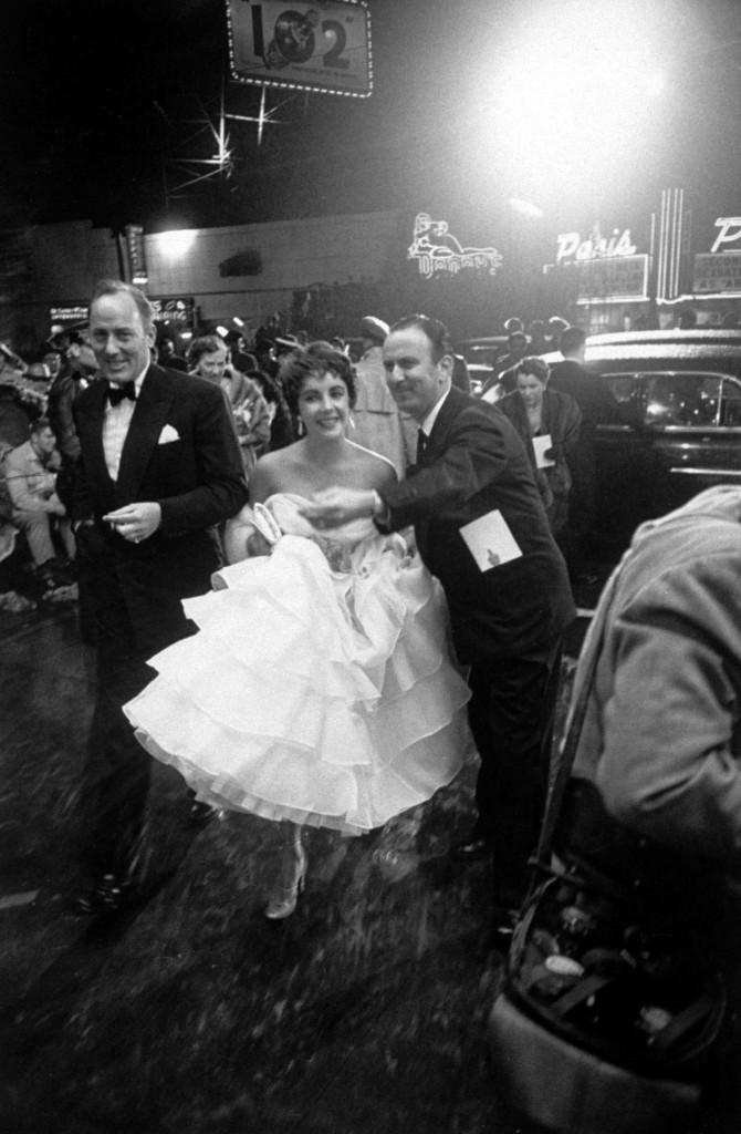 Elizabeth Taylor la Premiile Oscar 1053