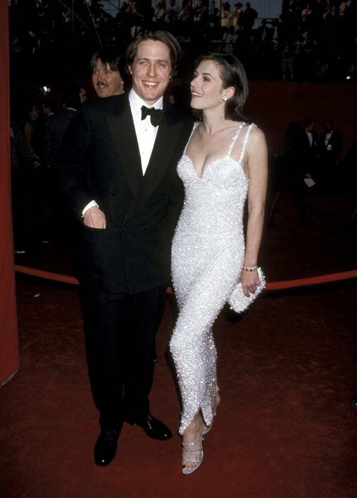 Hugh Grant și Elizabeth Hurley la Premiile Oscar 1995