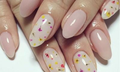 manichiura flori