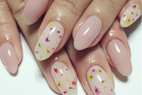 Modele unghii flori De primavara