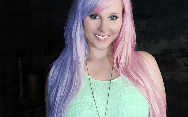 Ce Trebuie Să știi Dacă îți Vopsești Părul în Culori Ciudate
