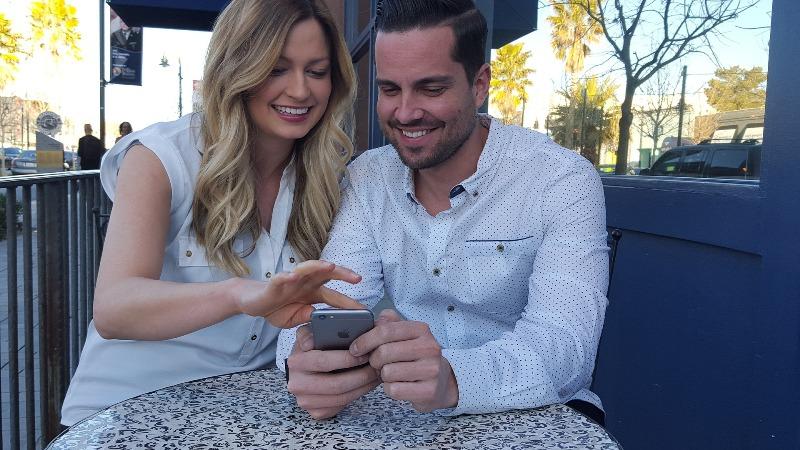 Cand te ignora in favoarea smartphone-ului