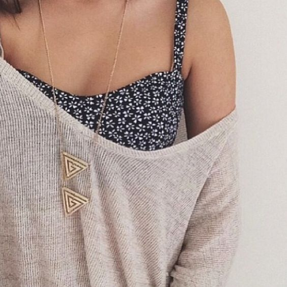 bustiera pulover
