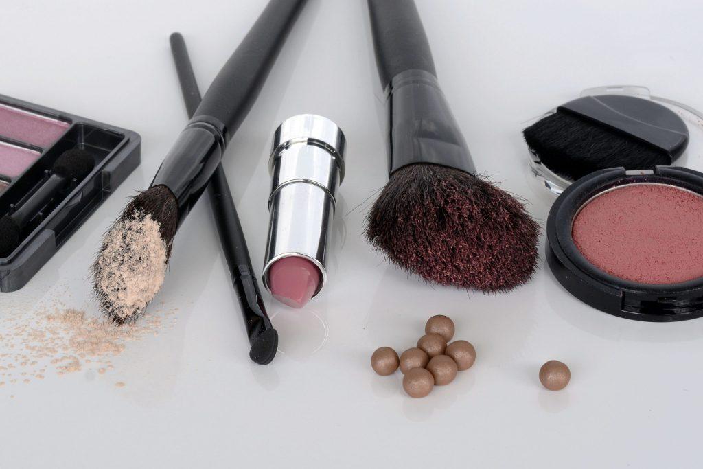 cosmetice trusa de machiaj