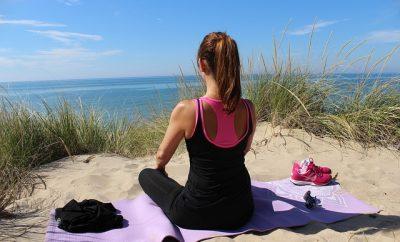 meditatie pe plaja, cum sa ai grija de sanatatea mintala