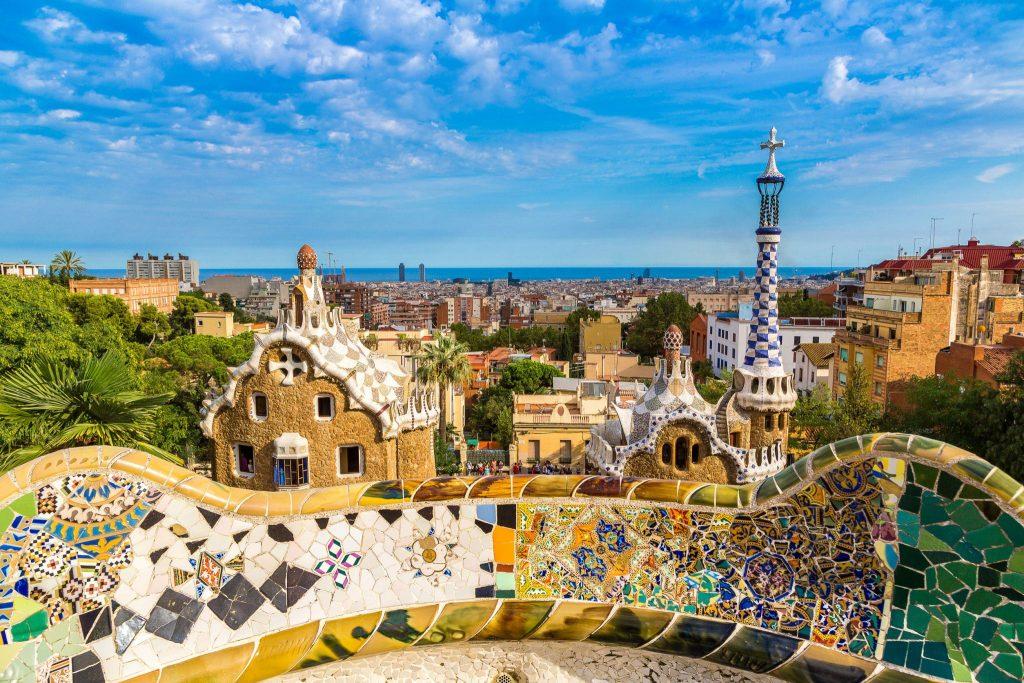 Parc Guell din Barcelona obiectiv turistic