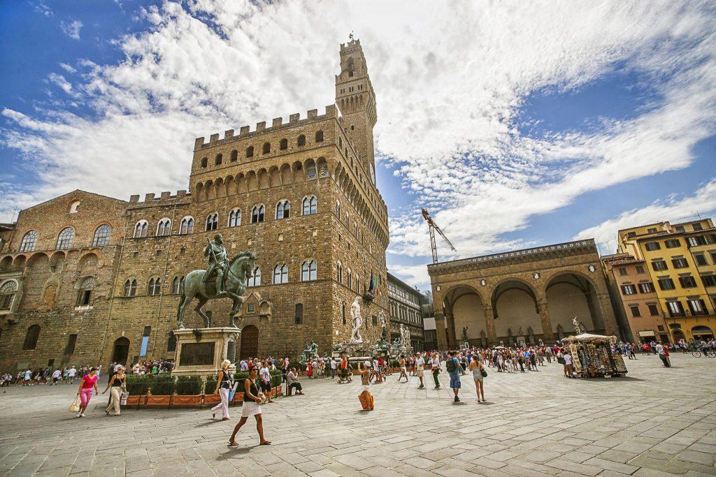 viziteaza palazzo Vechio Florenta