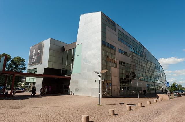 Muzeul de Artă Contemporană Kiasma helsinki obiective turistice