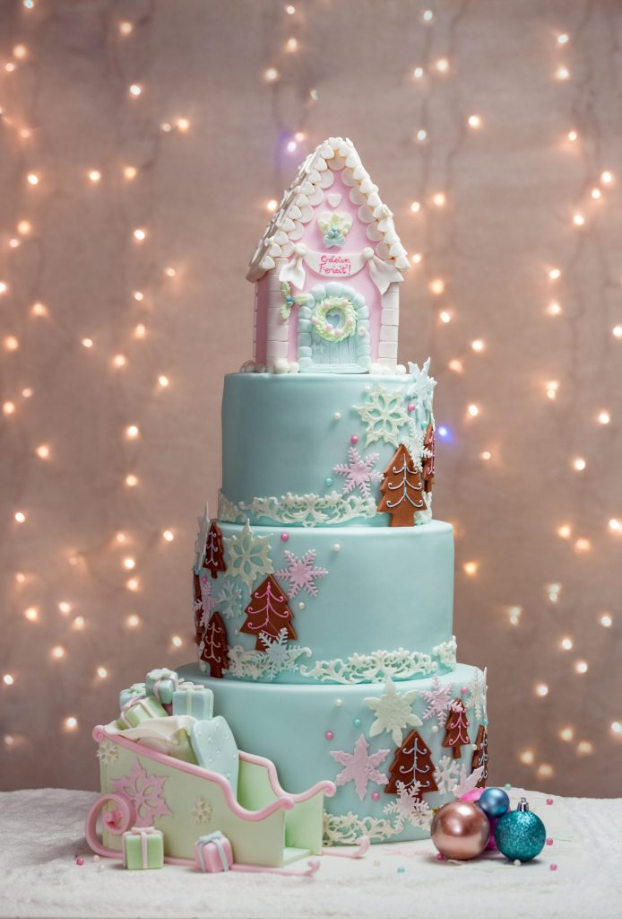 Magic Winter Grace Couture Cakes_02