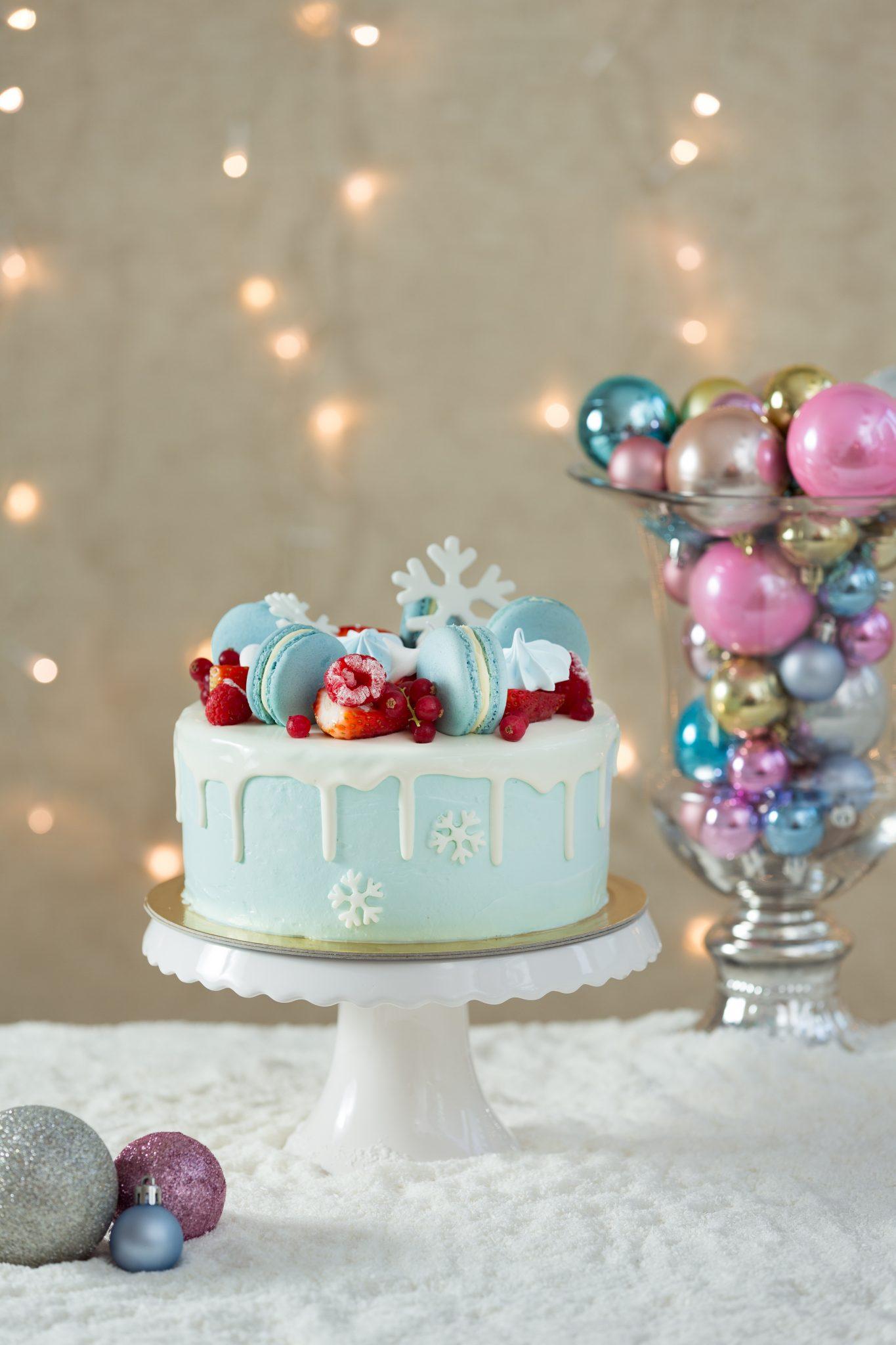 Magic Winter Grace Couture Cakes_13