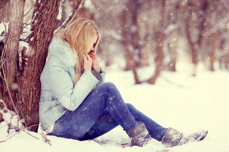 femeia iarna zapada