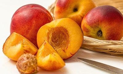 fructe de mai