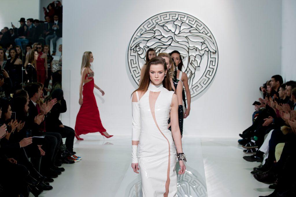 Michael Kors a cumpărat Versace