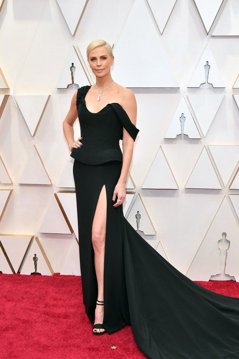 Charlize Theron in Dior Haute Couture Oscar 2020