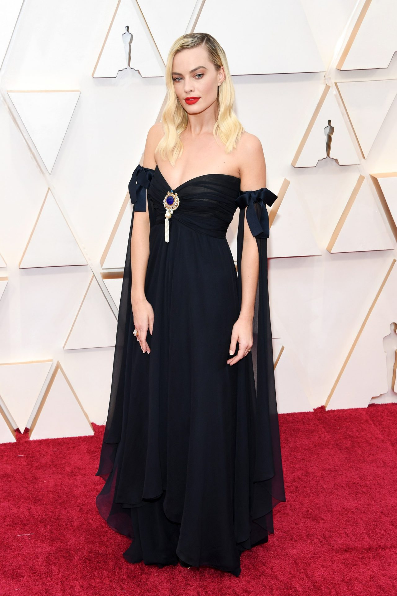 Margot Robbie in Chanel Oscar 2020