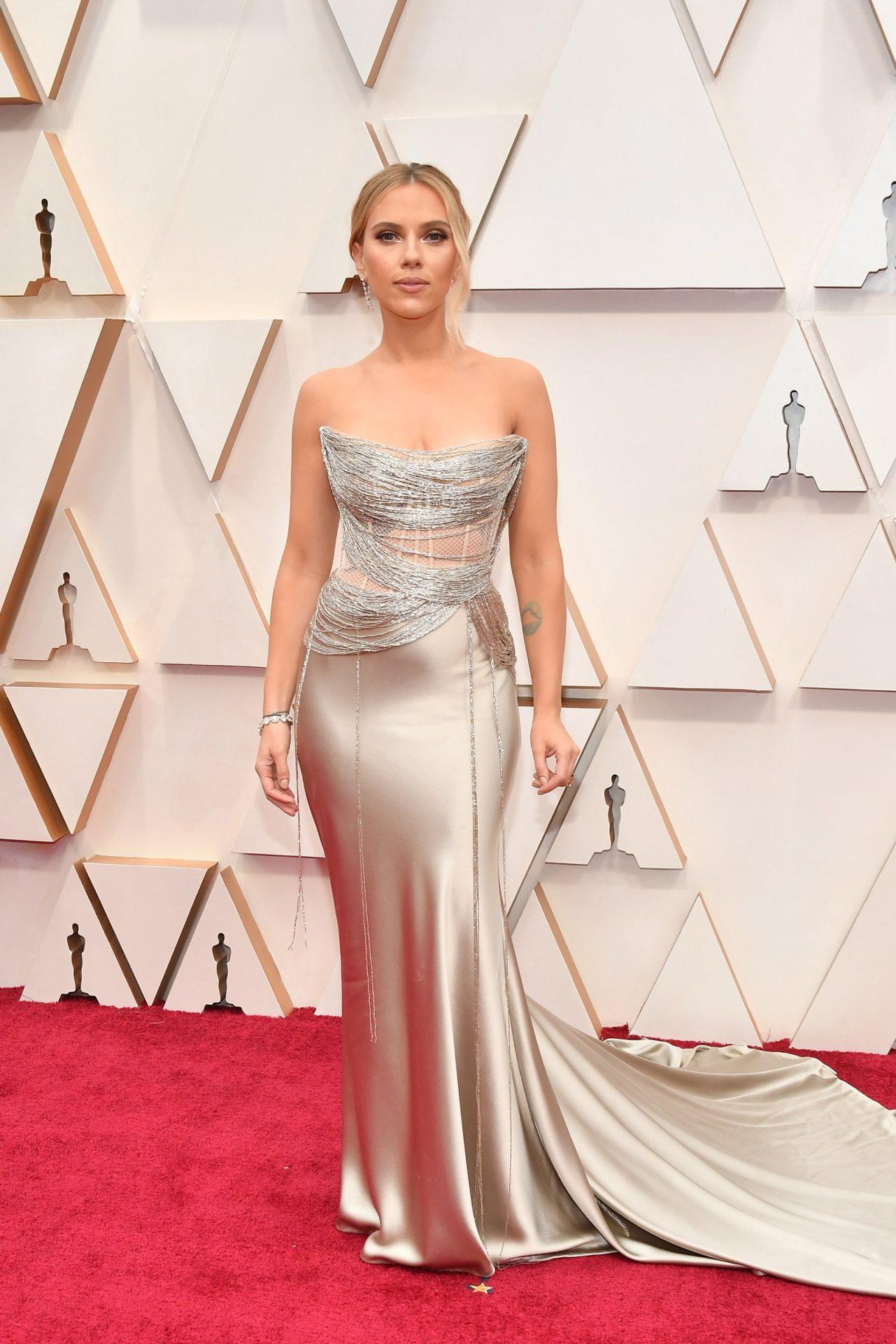 Scarlett Johansson in Oscar de la Renta Oscar 2020