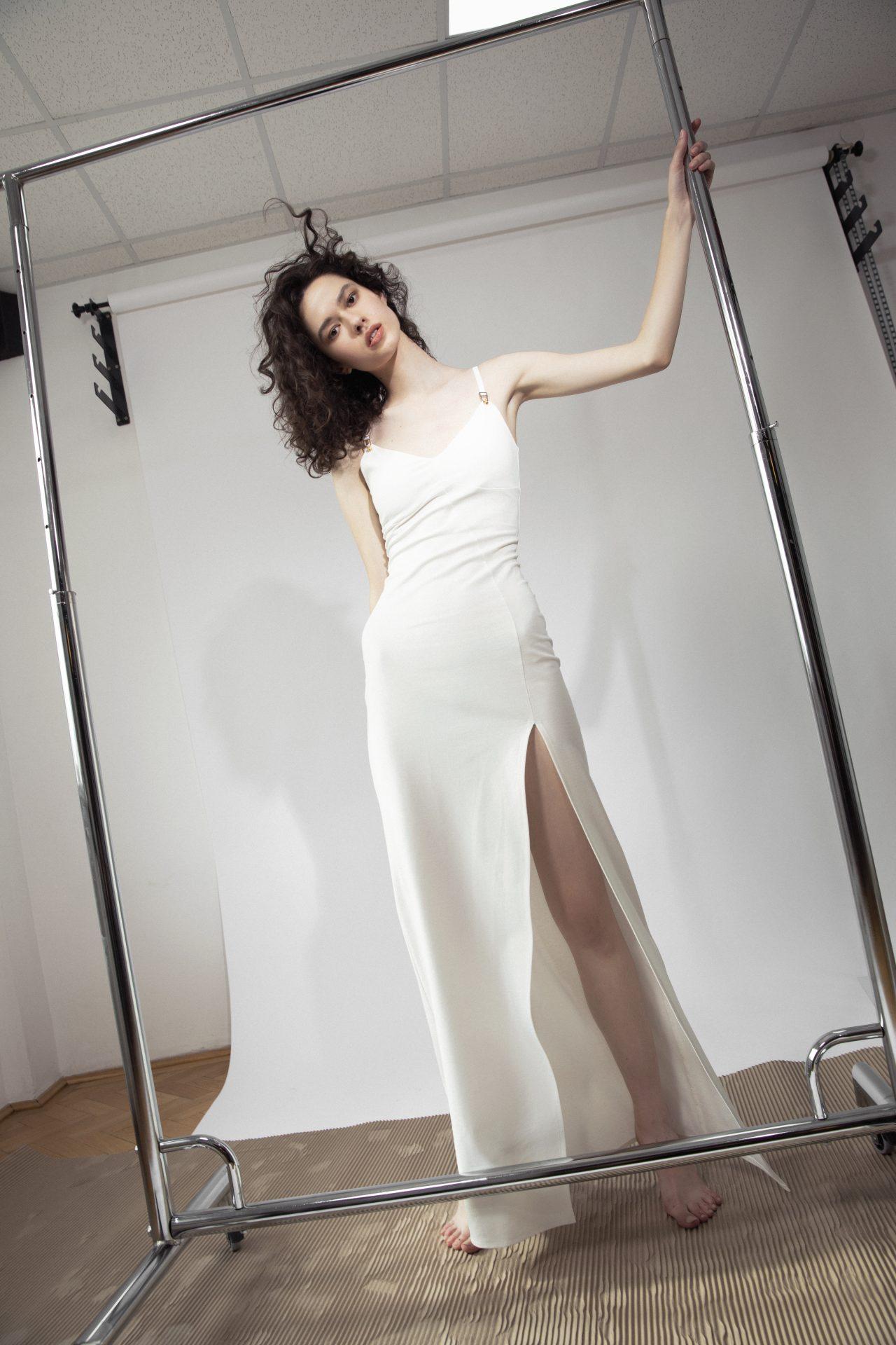 Skin Long Dress White – Essentials (3)
