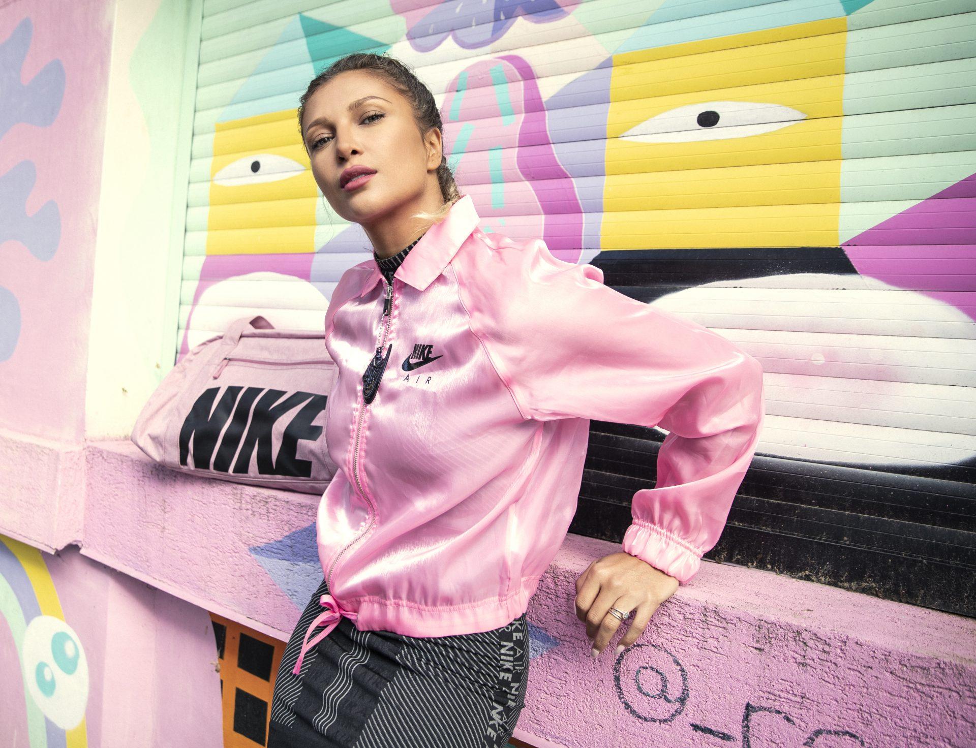 Lora campanie Nike