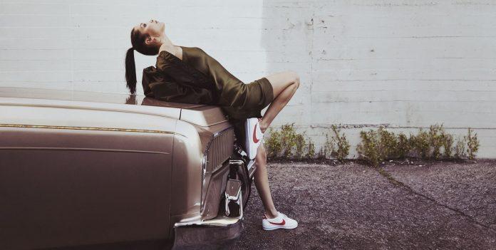 Bella Hadid in reclama Nike Cortez