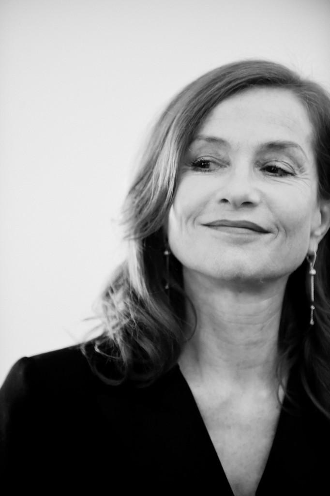 interviu Isabelle Huppert Harper's BAZAAR Romania