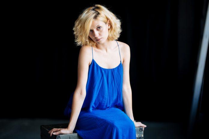 Ada Gales interviu Harper's BAZAAR foto Adi Bulboaca