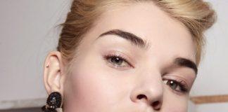 cum sa pastrati tanara pielea din jurul ochilor