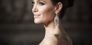 debutul Angelinei Jolie pe Instagram