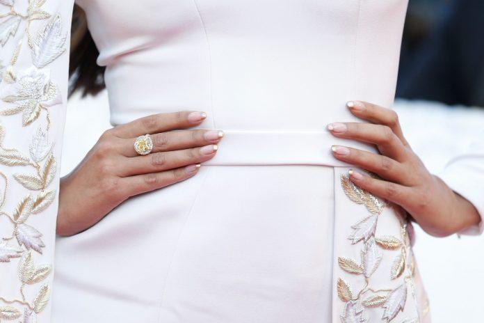 manichiura perfecta de nunta