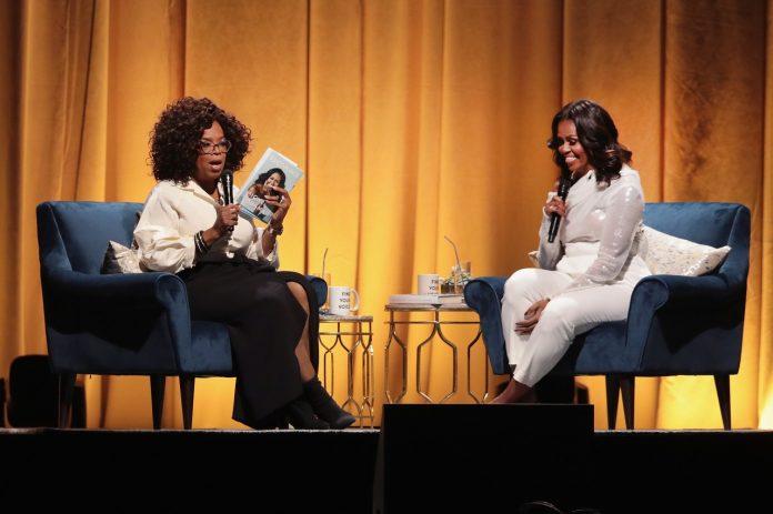 biografia lui Michelle Obama Launches Arena Book Tour In Chicago At The United Center