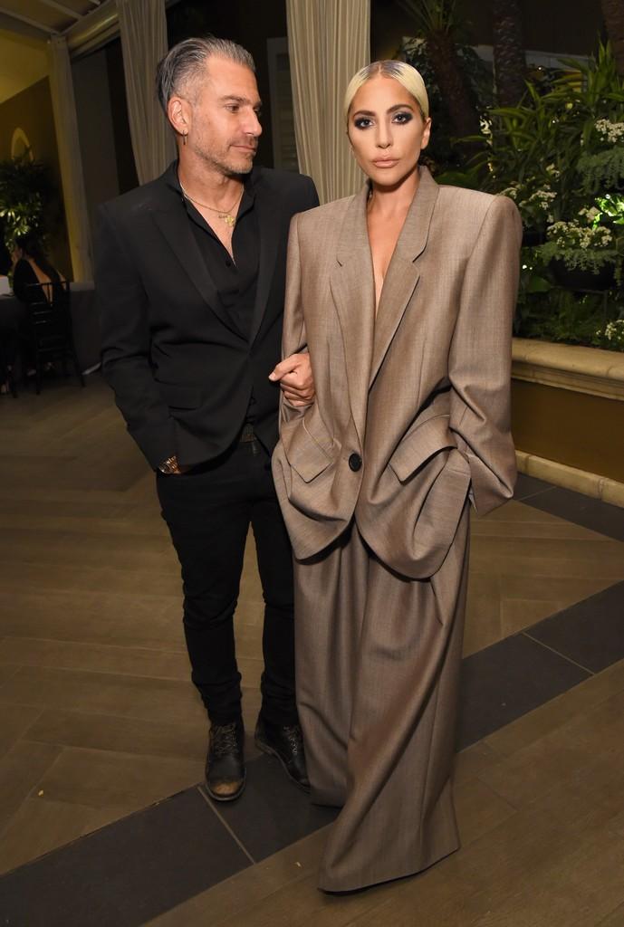 Lady Gaga s-a despărțit de Christian Carino