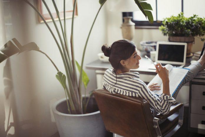 3 moduri de îmbunătățire a obiceiurilor de la job
